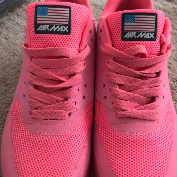 newest 493f1 acfab Bubblegum Air Max by Nike   American Flag Edition.  M 5a95759b3a112ef075645018